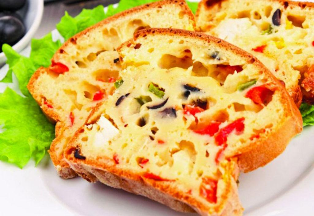 recette-cake-sale-poivron-lardon-vindilo